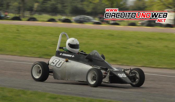 El piloto de Olavarría volvió a dominar en la Fórmula