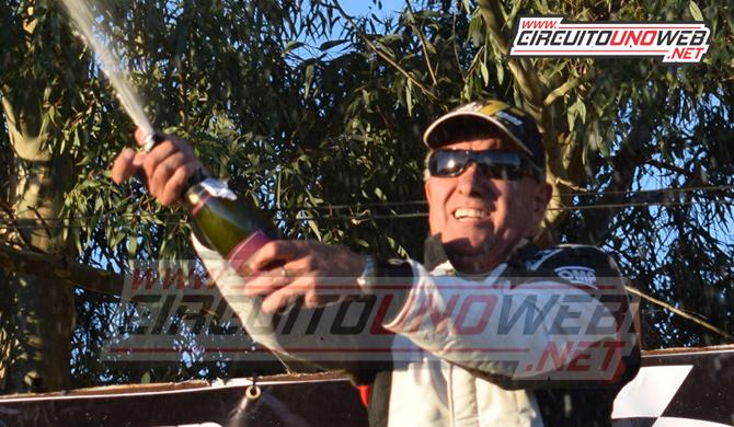 Juan Giancaterino festejó nuevamente en lo más alto del podio