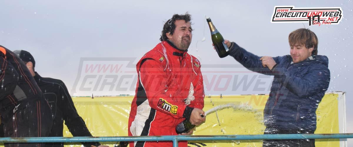 Damián Daza festeja su primera victoria en Mar y Sierras B