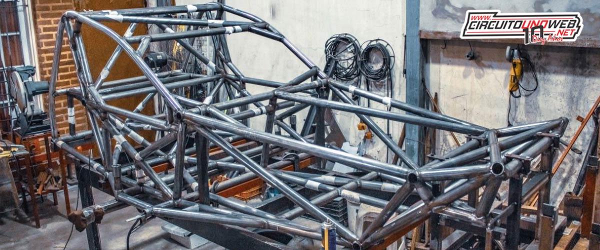 Así se encuentra el auto que están construyendo para Fabrizio Girado