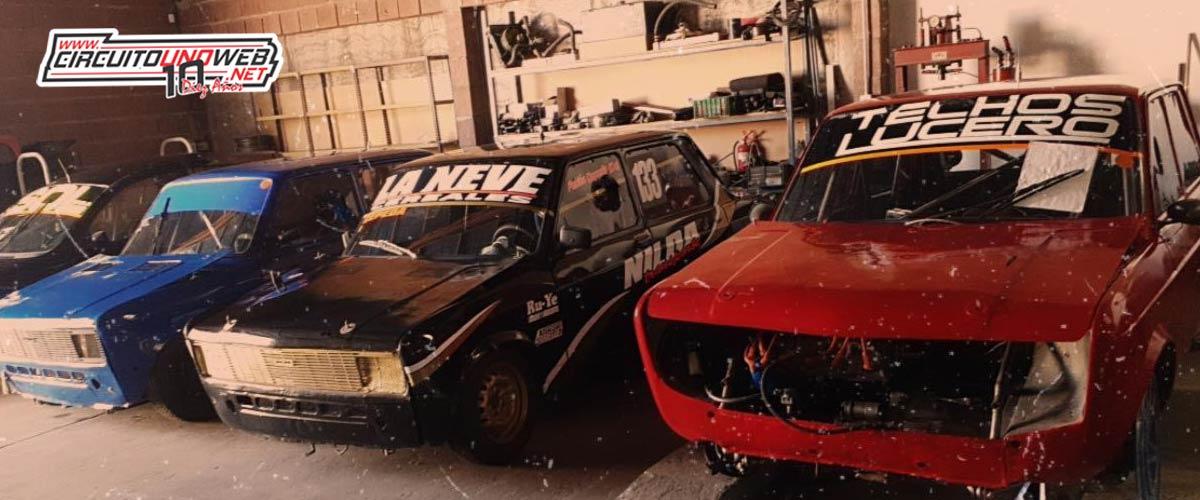 Los autos que descansan en el taller de
