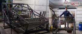 Arce avanza en la construcción del auto de Erpelding