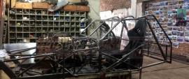 En el taller de Sabelli se construyen 2 autos para la clase B