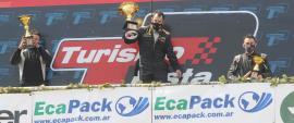 Daniel Crevtín festejó en lo más alto del podio