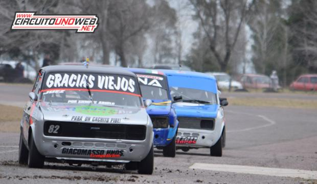 Emiliano Juez llega como líder del campeonato de la Monomarca