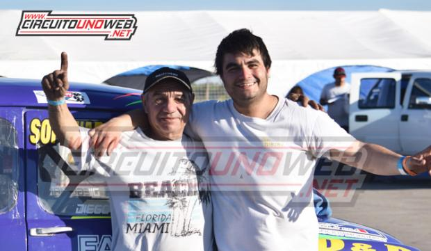 Luis y Diego Mangieri luego de ser los más rápidos en los entrenamientos de la 7ma fecha