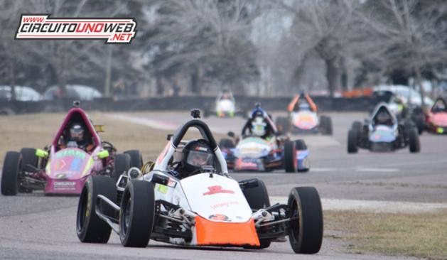 La Fórmula A abre el año en La Bota